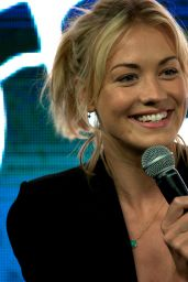 Yvonne Strahovski - Bad Ass Women Panel at SDCC 2014