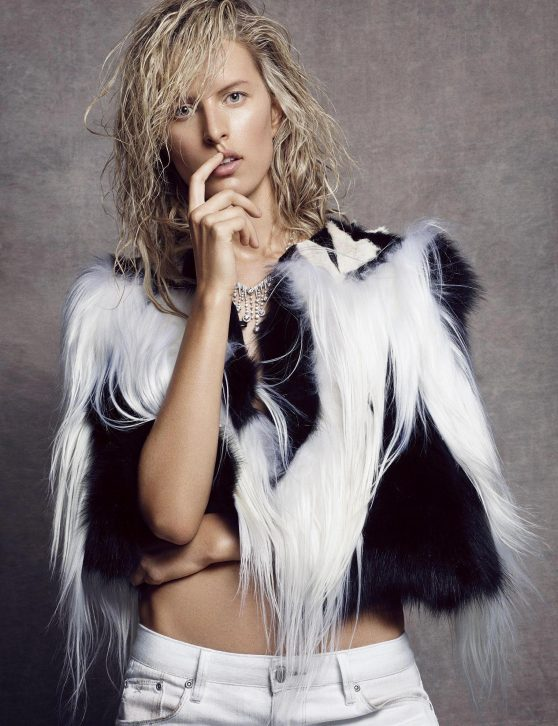 Karolina Kurkova - Photoshoot for Vogue Magazine (Spain) October 2014
