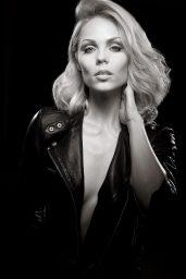 Laura_Vandervoort-Photoshoot-2014-10