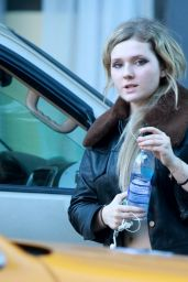 Abigail Breslin Casual Style - Out in New York City, Sept. 2014
