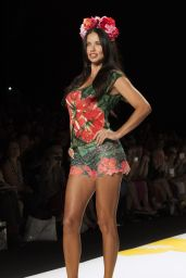Adriana Lima – Desigual Fashion Show – Mercedes-Benz Fashion Week Spring 2015