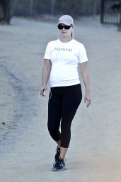 Ali Larter in Tights - Hiking in Runyun Canyon - September 2014