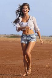Amanda Cerny Shooting a Video in Aruba - September 2014