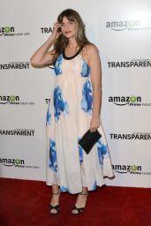 Amanda Peet -