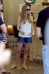 Amanda Seyfried in Jeans Shorts at Earth Bar in West Hollywood
