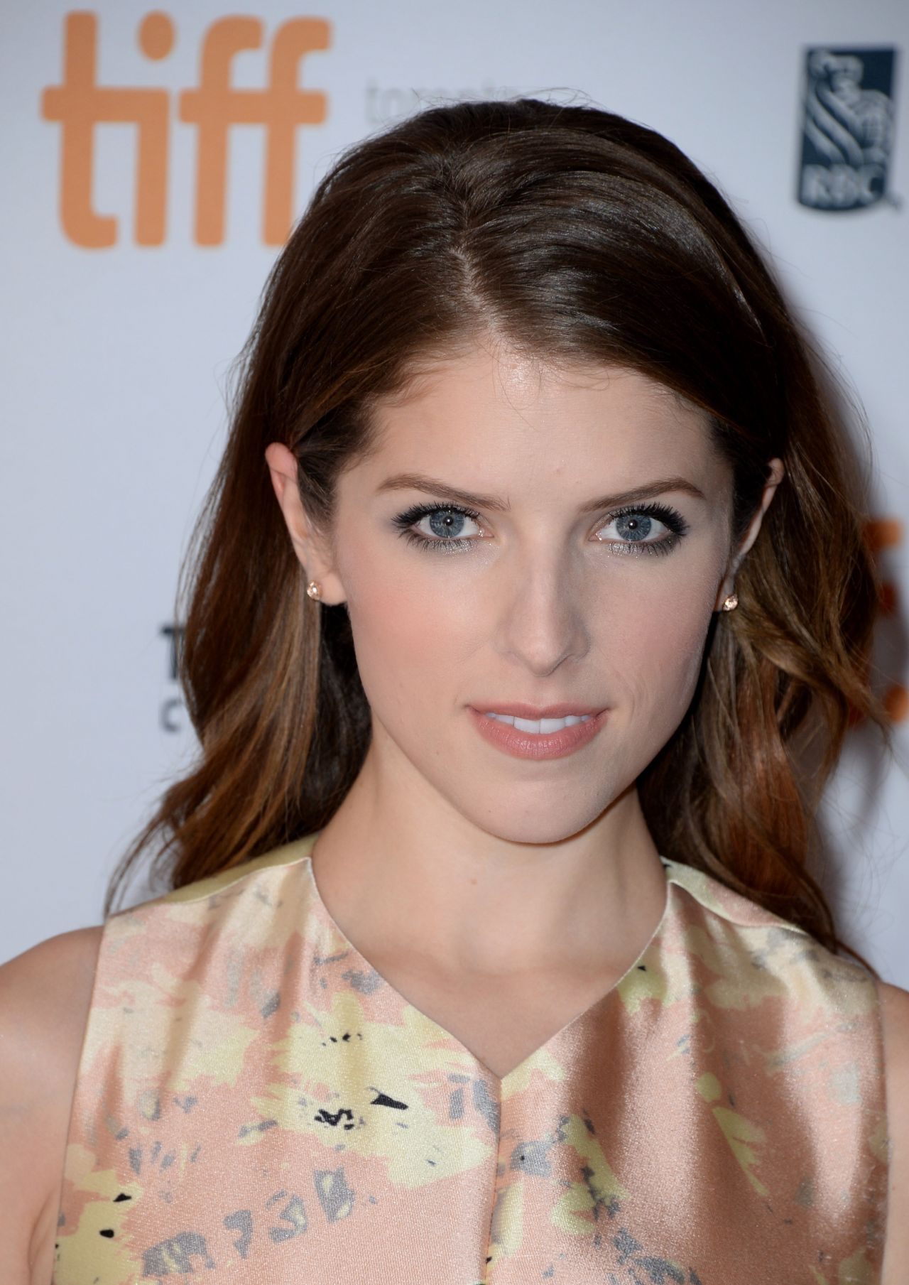... Anna Kendrick -'Cake' Set Photos – April 2014 Anna Kendrick