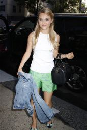 AnnaSophia Robb - Out in New York City - September 2014
