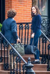 Anne Hathaway on the Set of