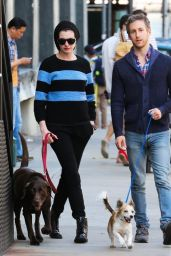 Anne Hathaway Street Style - Out in New York City - September 2014