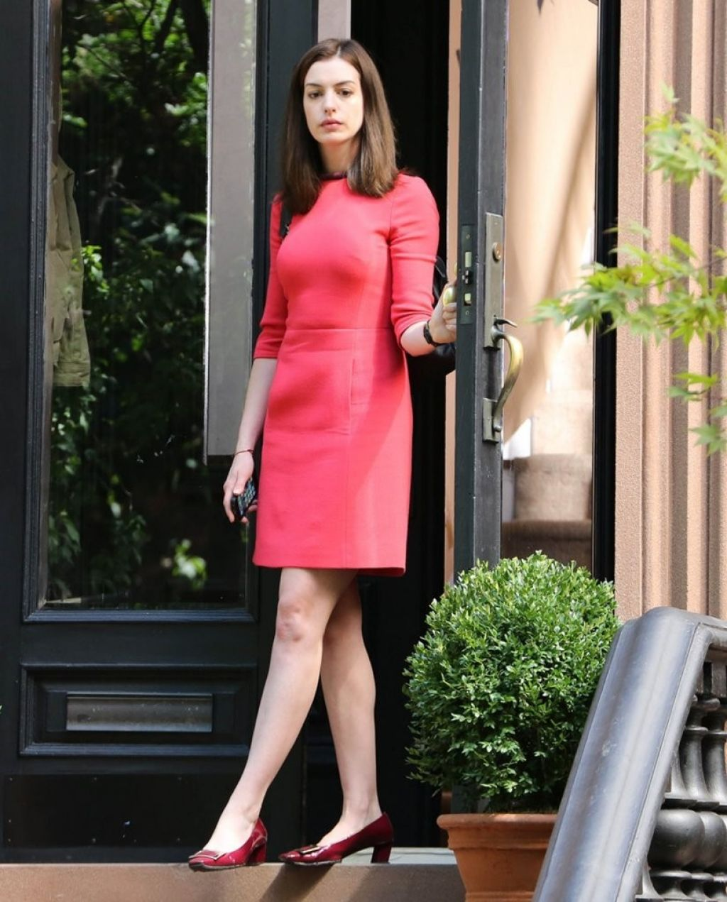 Anne Hathaway Outfits: 'The Intern' Set Photos, New York City