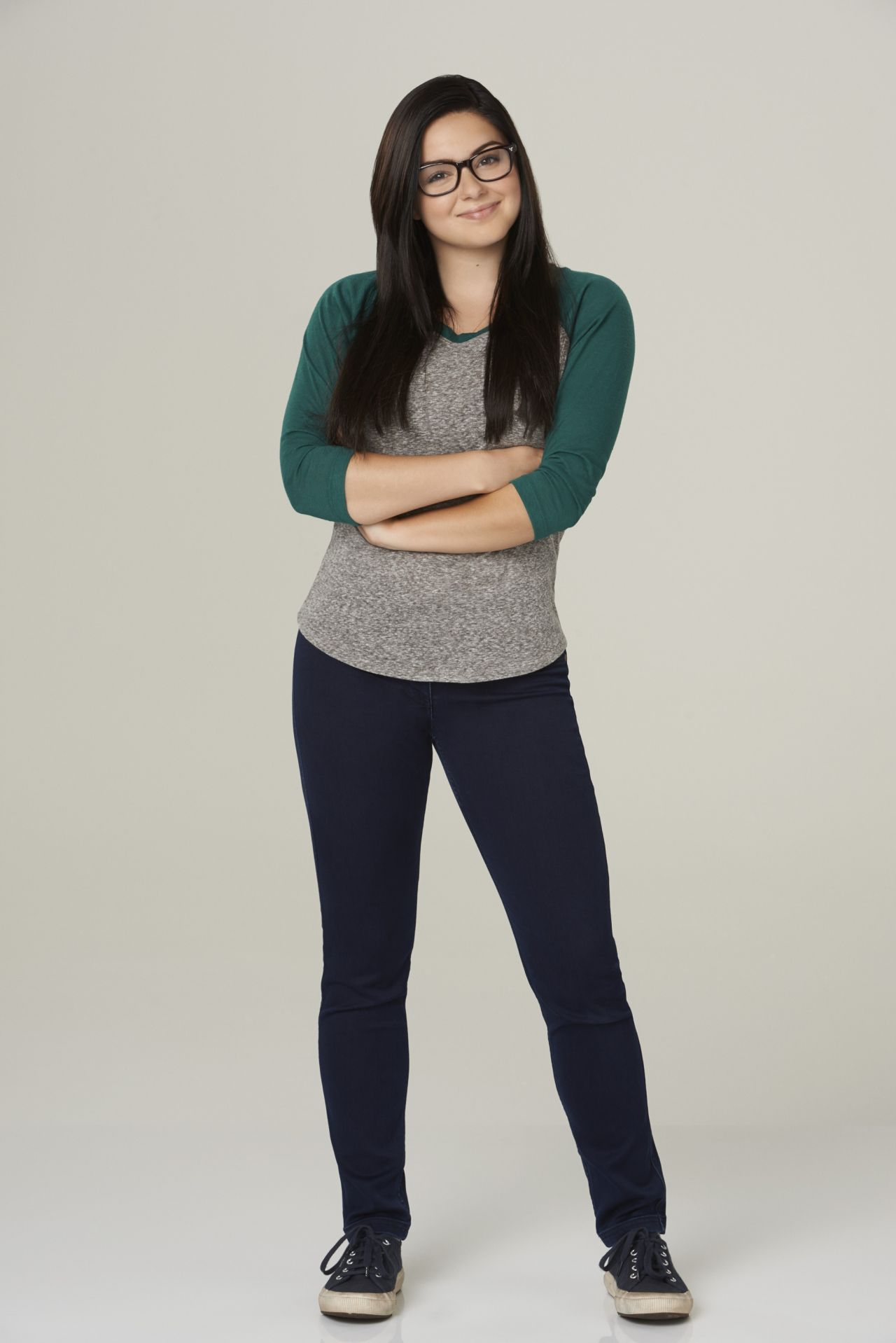 Ariel Winter - Modern Family Season 6 Promo Shots