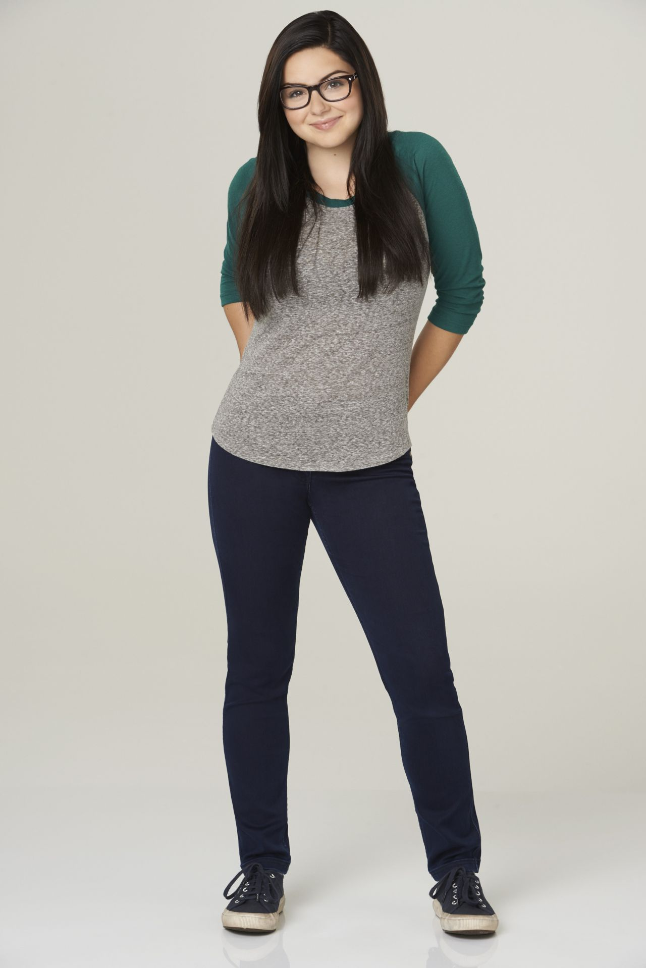 Ariel Winter - Modern Family Season 6 Promo Shots • CelebMafia