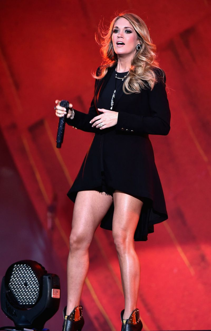 Carrie Underwood Performs Onstage At The 2014 Global