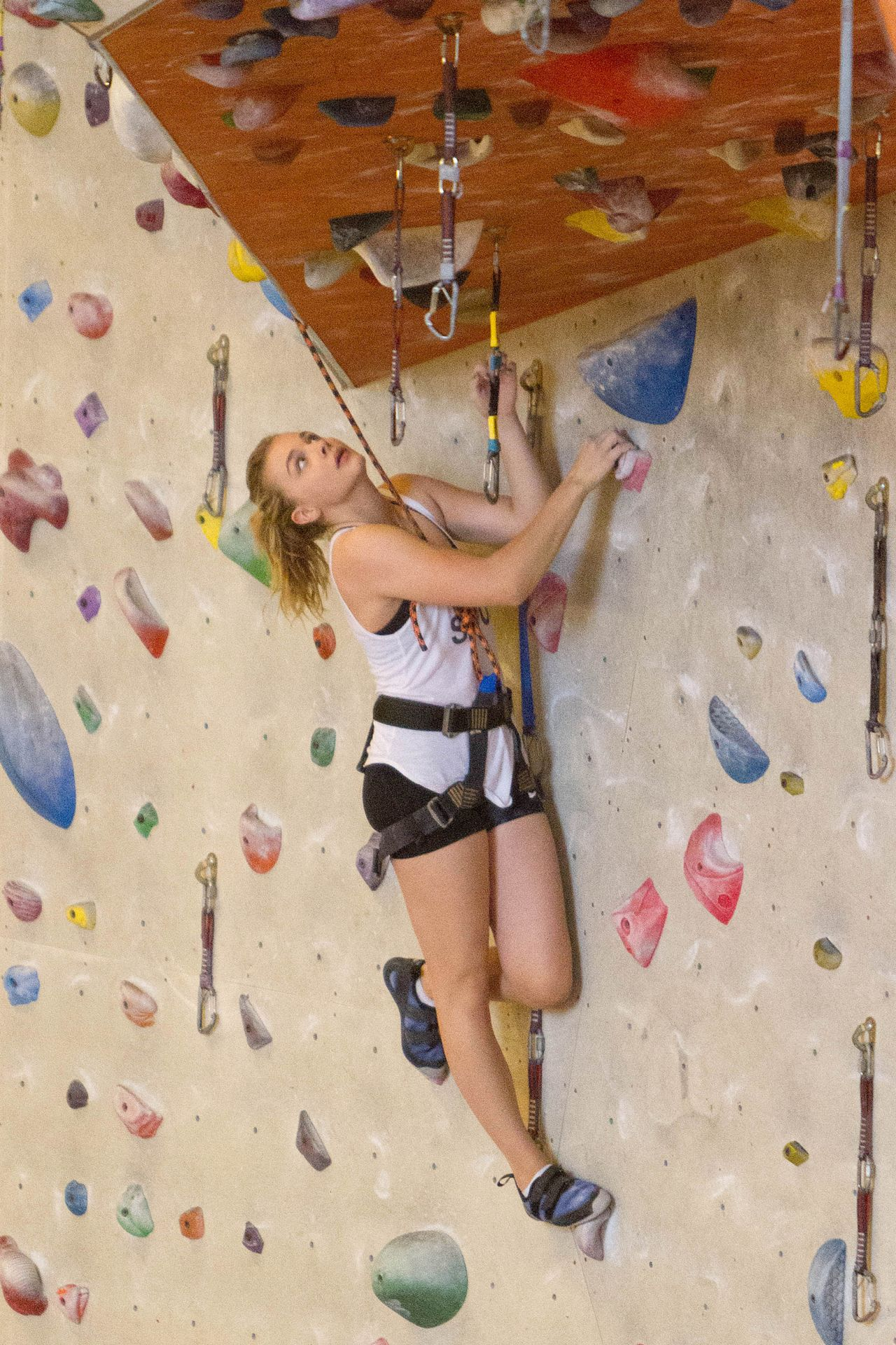 Chloe Moretz - Indoor Rock Climbing in Atlanta