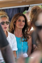 Cindy Crawford Filming a Commercial on Miami Beach - September 2014