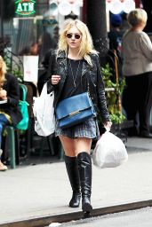 Dakota Fanning Casual Style - Out in SoHo, New York City - September 2014