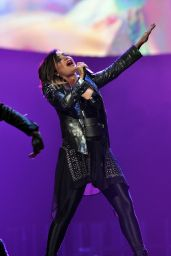 Demi Lovato Performing in Raleigh (North Carolina) - September 2014