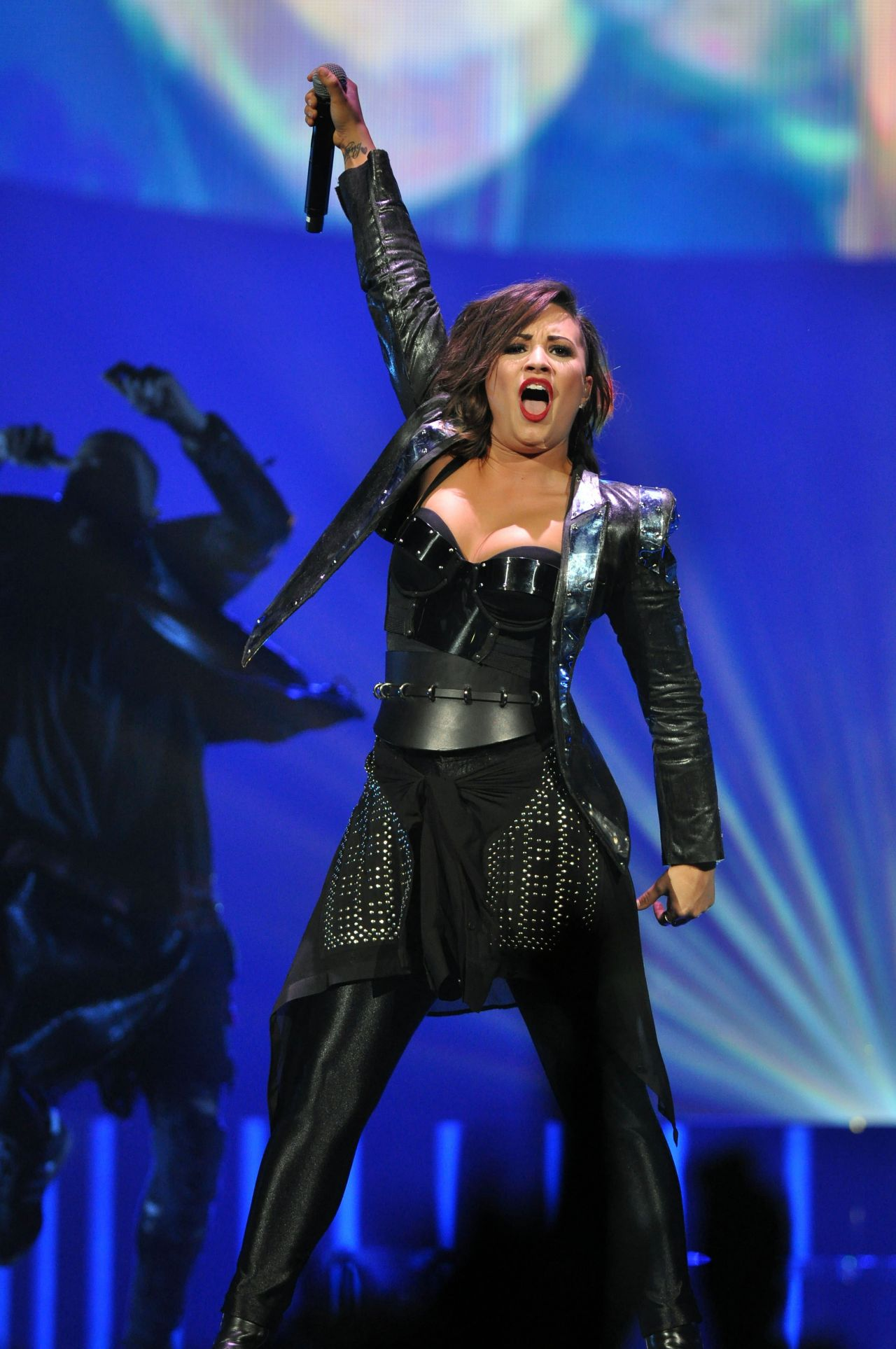 September 2014 Issue: Demi Lovato Performing In Raleigh (North Carolina