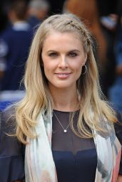 Donna Air - London Fashion Week 2014 – Burberry Prorsum Show