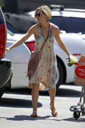 Elsa Pataky Street Style - Leaving a CVS in Los Angeles, September 2014