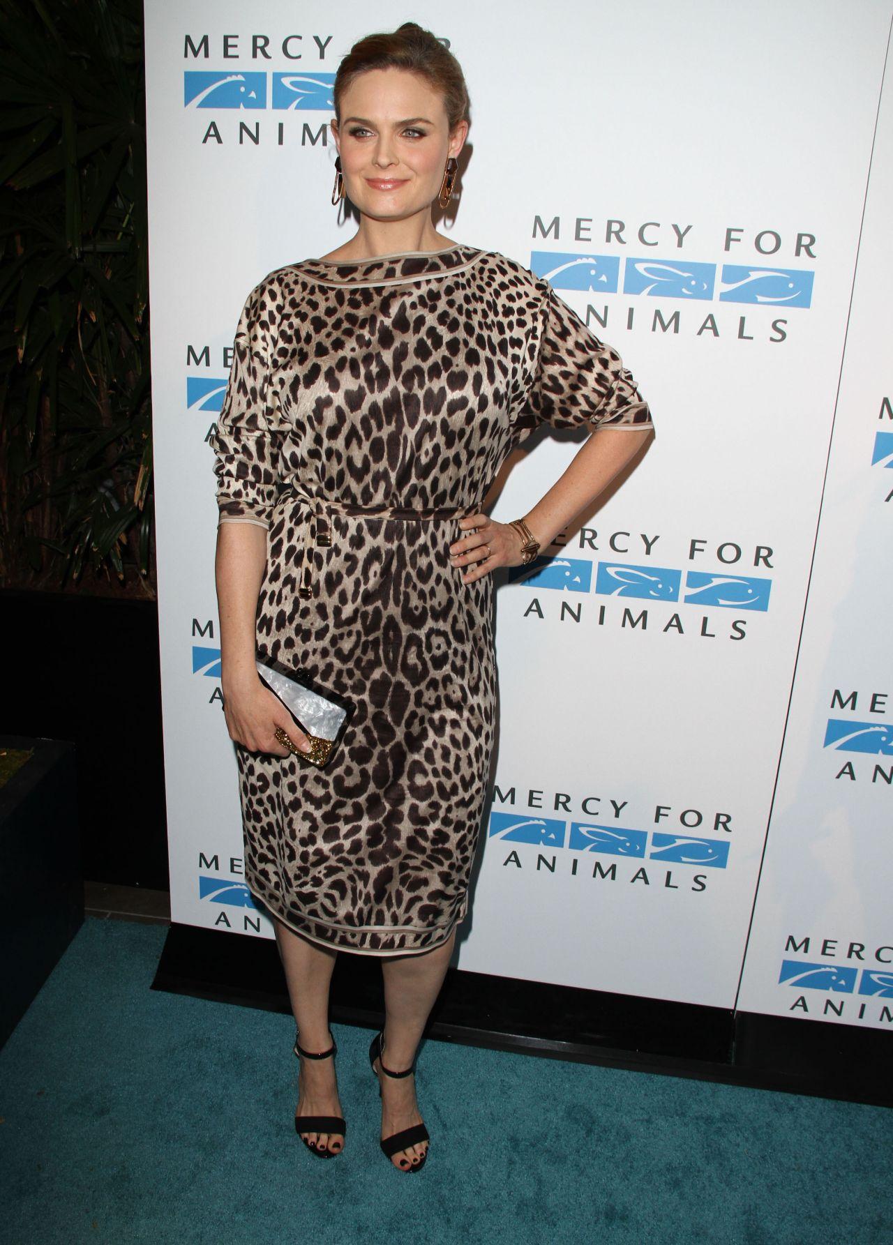 Hotel emily hotel r - Emily Deschanel 2014 Mercy For Animals Gala In London Hotel California
