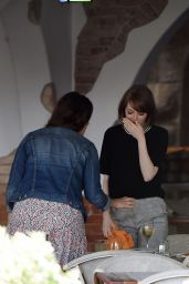 Emma Stone Having Lunch in Venice (Italy) - August 2014