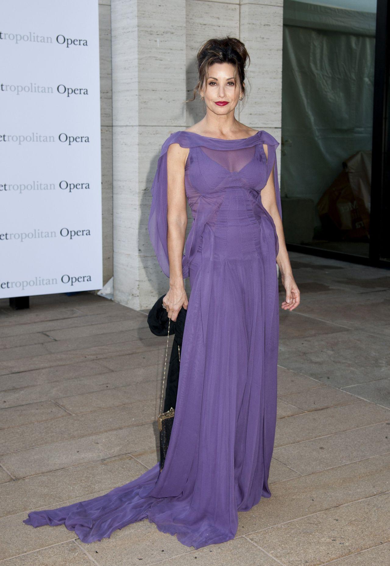 Gina Gershon – Metropolitan Opera 2014/2015 Season Opening in New ...