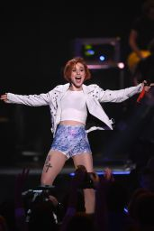 Hayley Williams Performs at 2014 iHeartRadio Music Festival in Las Vegas