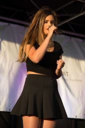 Jacquie Lee Performs at Tysons Corner Plaza - September 2014