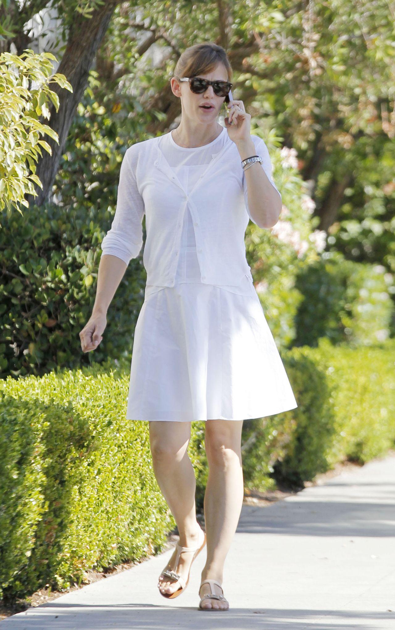 Jennifer Garner in White Dress - Out in Santa Monica - September 2014