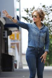 Jennifer Lopez Booty in Jeans - Filming in the Bronx, September 2014