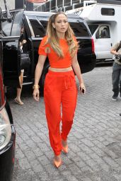 Jennifer Lopez - Leaving Her Apartment in New York City - September 2014