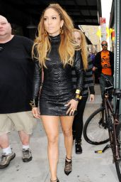 Jennifer Lopez Shows Off Her Killer Legs - Shooting a Video Music in New York City - September 2014