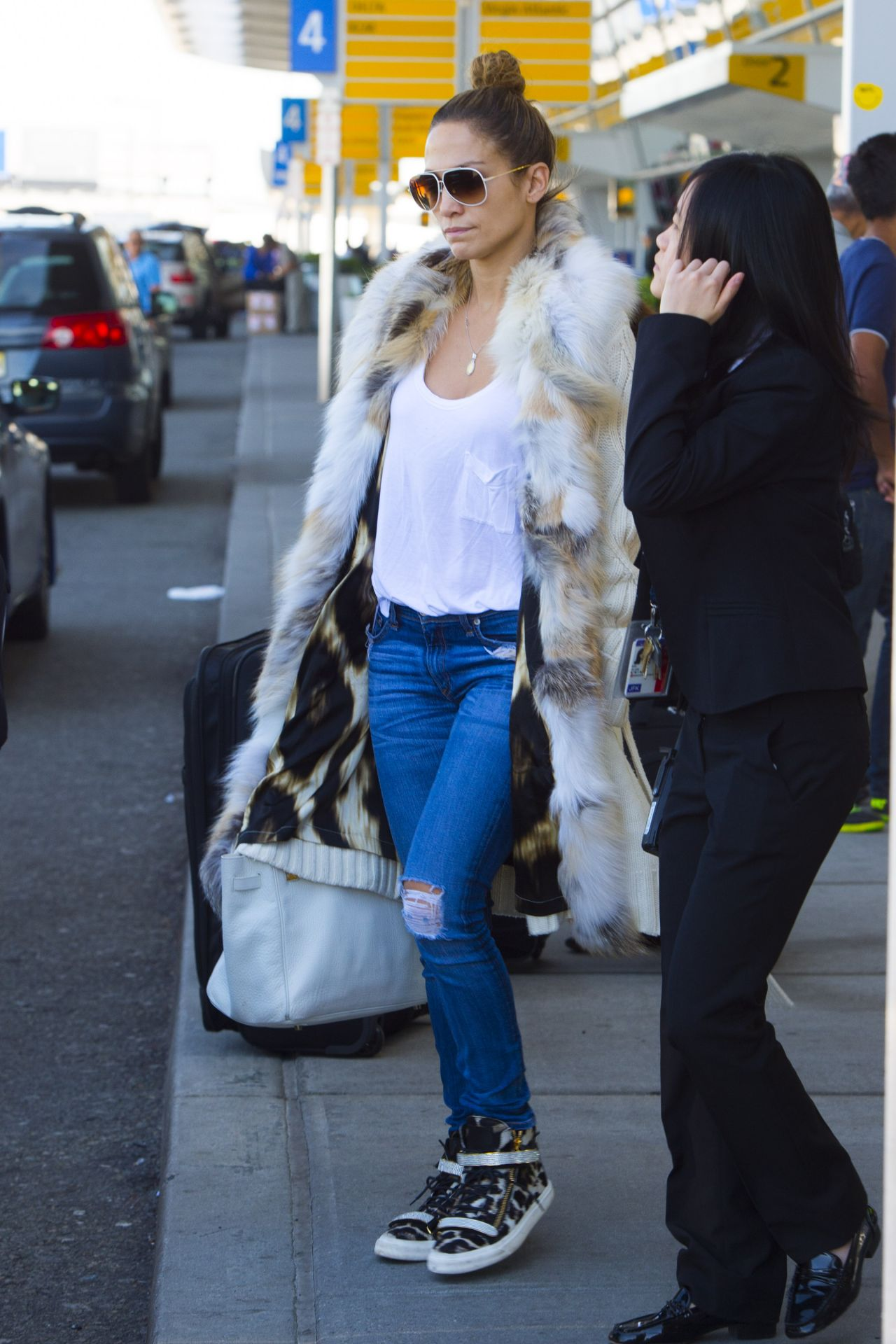 Jennifer Lopez Street Style Jfk Airport In Nyc