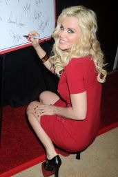 Jenny McCarthy - 2014 Charity Day Hosted by Cantor Fitzgerald and BGC in New York City