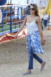 Jessica Alba at the Malibu Chili Cook-Off in Malibu - September 2014