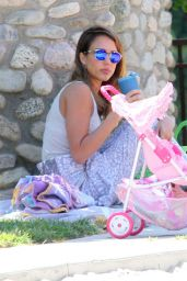 Jessica Alba - Cold Water Canyon Park in Beverly Hills, September 2014