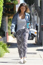 Jessica Alba - Out in Santa Monica - September 2014