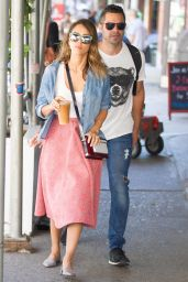 Jessica Alba Street Style - Walking Around New York City - September 2014
