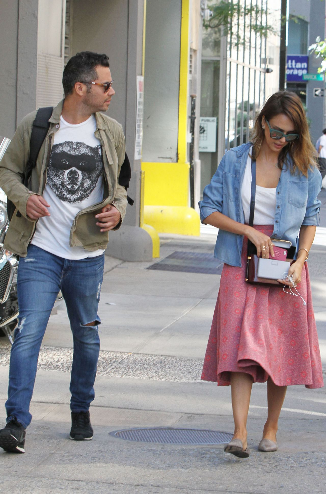 Jessica Alba Street Style - Walking Around New York City - September 2014