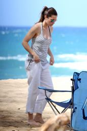 Jessica Biel in a Bikini on a Beach in Maui - September 2014