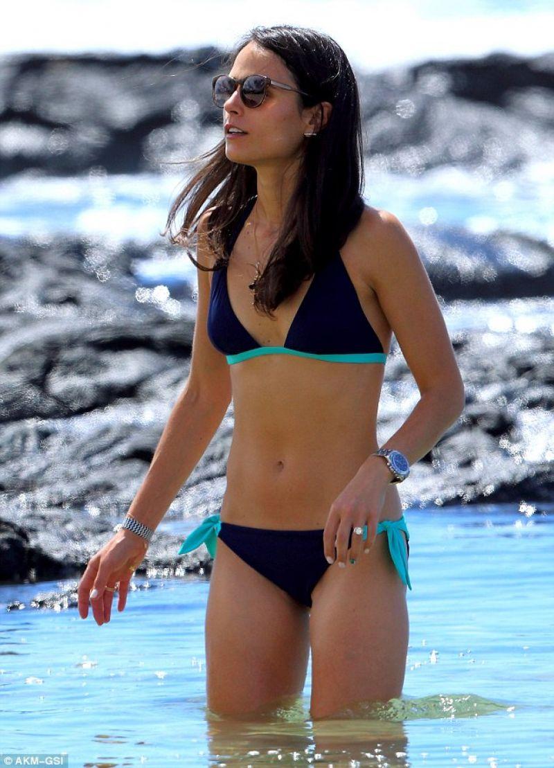 Jordana Brewster Bikini Pic 51