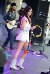 Kacey Musgraves Performs at 2014 iHeartRadio Music Festival Village in Las Vegas