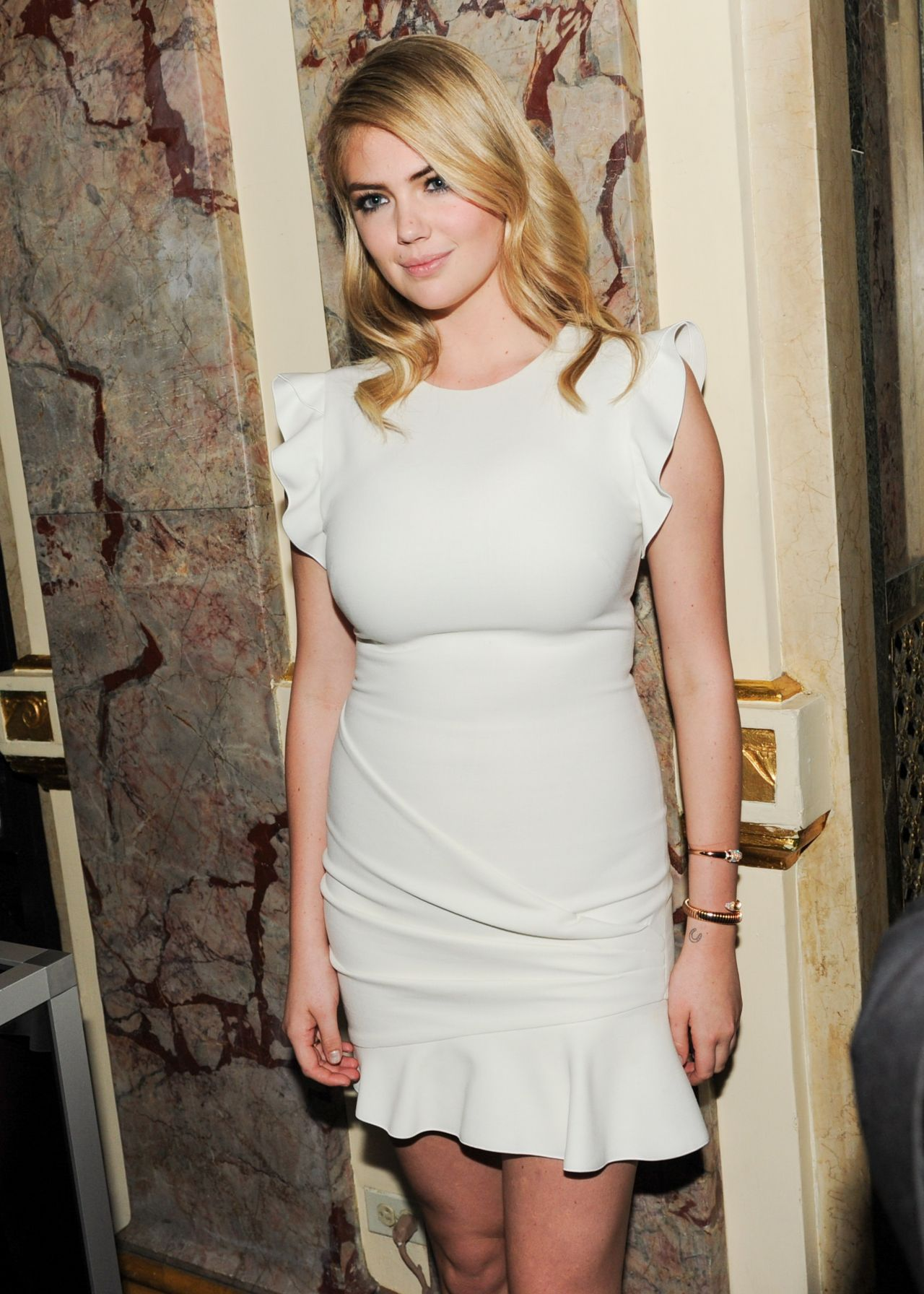 Kate Upton Harper S Bazaar Celebrates Icons By Carine