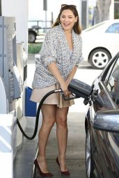 Kelly Brook at a Gas Station in West Hollywood - September 2014