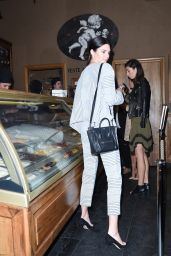 Kendall Jenner at an Ice Cream Shop With Her Mom in Paris - September 2014