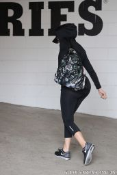 Khloe Kardashian - Going to the Gym in Los Angeles, September 2014