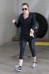 Khloe Kardashian in Leggings Going to the Gym in Los Angeles, Sept. 2014