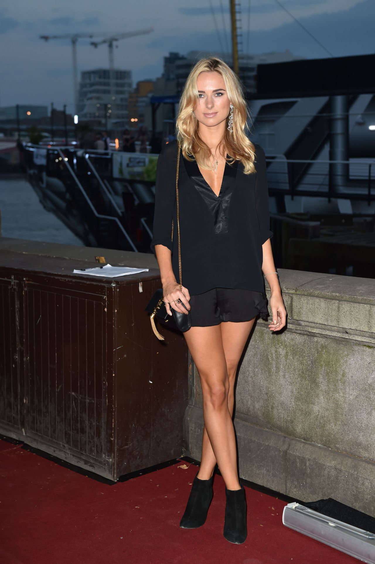 Shows In Los Angeles >> Kimberley Garner Shows Off Her Legs at Sexy Mac Launch ...