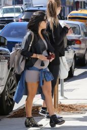 Kourtney & Khloe Kardashian - Out for Lunch at Joan